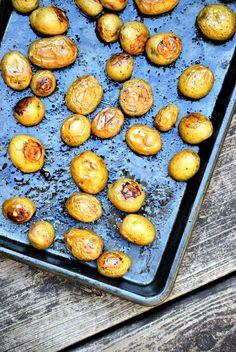 Lemon Roasted Potatoes - Miss Information #sidedishes