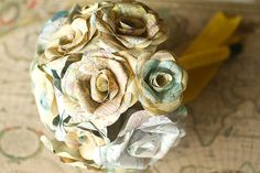 Map flowers... does anyone out there know how to make these?? Idea, Map Flower, Maps, Brides, Bride Bouquets, Paper Flowers, Papers, Themed Weddings, Map Bouquet
