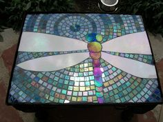 Dragonfly table in place photo by Glass Garden Creations / Sharon Kelly from Flickr at Lurvely