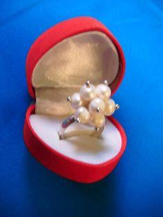 Sortija con perlas y plata