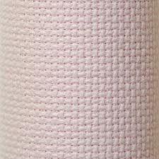 """AIDA: Se trata de una tela de algodón concebida especialmente para el Punto de Cruz. Su trama regular delimita cada uno de los puntos. Es la mas fácil de bordar. Existen diferentes tramas: 8, 11, 14, 16 y 18. Estas cifras expresan el """"número de puntos por pulgada (2,5 cms.)."""