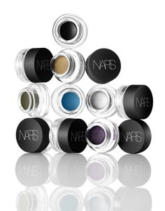 Eye liner and eye shadow in one!