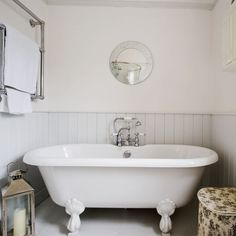 Decorating A New England Style Beach Theme Bathroom