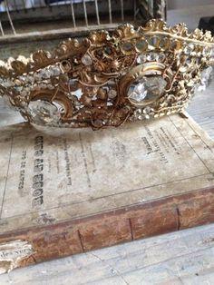 FleaingFrance.....Antique Saint's Crown