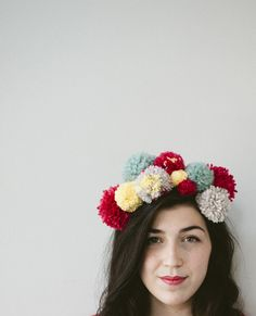 Make an awesome Pom Pom Party Hat for all your summer festivities! #howto #putapomonit #accessories #diy