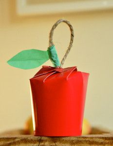 Perfect Paper Cup Apples are an adorable fall craft for kids! You could even hide a gift inside.
