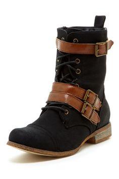 Buckle Boots / bucco $40
