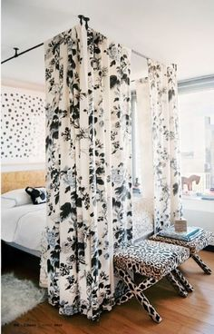 Curtains on the ceiling, what a great idea!