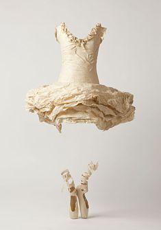 SUSAN CUTTS, paper art