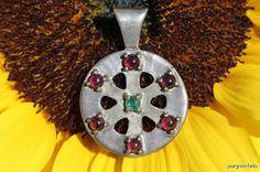 Vintage 925 Sterling Silver Genuine Emerald and Garnet Spoked Medallion Pendant