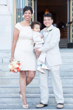 Elizabeth and Elaine twomom famili, citi hall, happi famili, wedding outfits