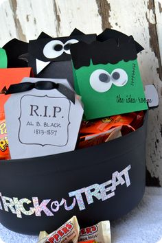 DIY Halloween Treat Favors - with FREE printables