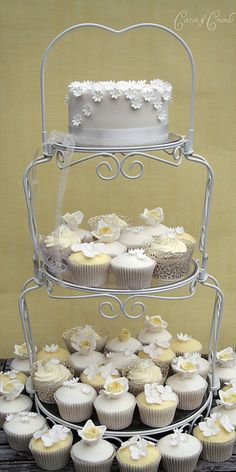 Cakes & cupcakes on a stand