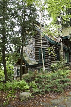 Adirondack - Custom handcrafted log homes by Maple Island Log Homes
