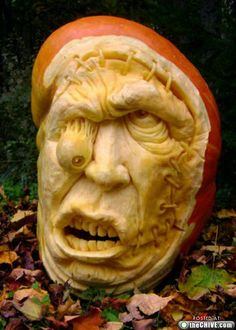 Carved Pumpkin Scary Face !
