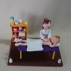 Massage  therapist f