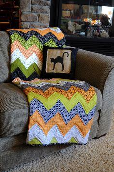 The Little Fabric Blog: Halloween Chevron Quilt Tutorial.