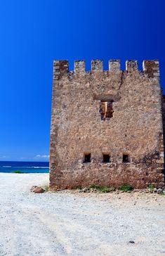 TRAVEL'IN GREECE | Frangocastello castle, South Coast of Crete island, #Crete, #Greece, #travelingreece