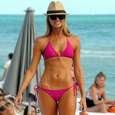 Try This Bikini Abs Series From Pink and Stacy Keibler's Trainer!
