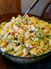 Chicken Pasta Salad: *I use 8 oz. cooked small pasta shells, 1 large bottle of ranch dressing, 2 cooked & diced boneless skinless chicken breasts, 2 chopped roma tomatoes, 1 stalk chopped celery, 1/2 chopped small onion, 1/2 of a chopped green pepper, & salt/pepper to taste. Mix all ingredients well and let set for at least 1 hr. prior to serving. chicken breasts, pasta salad, easi chicken, chicken salads, salad yummycr, amaz pasta, chicken pasta, eat, pastas