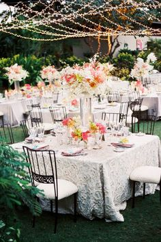 Patterned tablecloths, pretty blooms and low-slung twinkling lights made for the ultimate luxe garden party at @Mandy Dewey Seasons Resort Hualalai at Historic Ka'upulehu. @Mandy Dewey Seasons Bridal