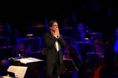 Conductor of the Boston Pops Keith Lockhart  thanks the crowd