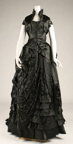 Enchanting chic, wildly gorgeous jet black dinner dress from the 1870s. #Victorian #fashion #dress #gown #beautiful #1800s #clothing  #dinner #black #goth