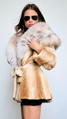 OUTLET ROYAL SAGA MINK FUR COAT (fabulous collar)