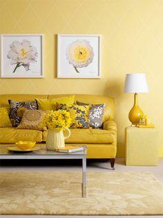 Yellow color scheme living room
