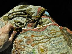 Karen Kahle - Primitive Spirit Rug Hooking - Eugene OR - she does beautiful work.
