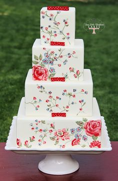 Square Floral Wedding Cake  #burgundy #maroon #wedding … Wedding #ideas for brides, grooms, parents & planners https://itunes.apple.com/us/app/the-gold-wedding-planner/id498112599?ls=1=8 … plus how to organise an entire wedding, within ANY budget ♥ The Gold Wedding Planner iPhone #App ♥ For more inspiration http://pinterest.com/groomsandbrides/boards/ #plum #oxblood #cranberry
