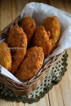 Pisang Goreng Pasir Asian food.