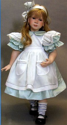 Dream in Porcelain sculpted by the doll POET