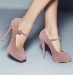 Nude Mary Janes fashion shoe, mari jane, nude shoes, jane heel, blush sued, color, pale pink, mary janes, dusty pink