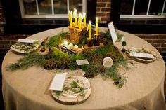 Pretty centerpiece. Little large for my tastes, but still a good idea.