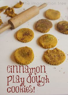 How to make wonderfully scented cinnamon and nutmeg play-dough (in just 4 minutes!) to use for pretend play cookie baking!