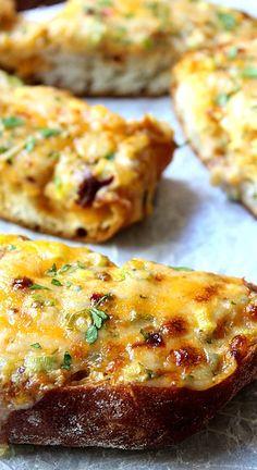 Garlic Chipotle Cheesy Bread