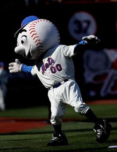 Mr. Met asks for high fives after the Mets go on a 5-game winning streak. 4/26/11 #mets
