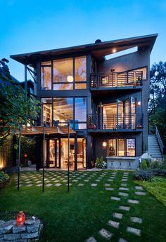 Modern lakeside dream: Lake Washington Residence