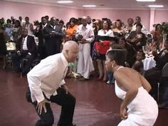 Best video out there. Dad got some fresh moved! Deidra Father & Daughter Funny Wedding Dance  themarriedapp.com hearted <3