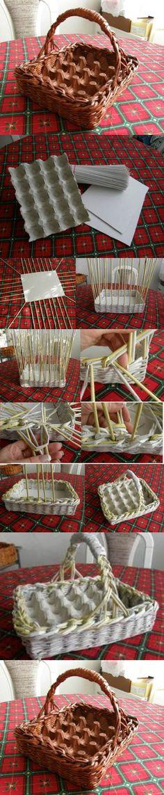 Cesta de huevos con papel