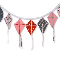 Check out my #Sizzix Kite Banner - made easy with the #WackyWeb die cut.