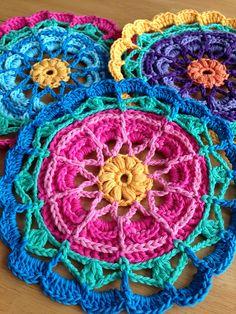 Flower Mandala Motif By Lynne Samaan - Free Crochet Pattern - (ravelry)
