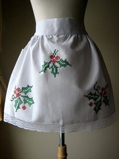 Christmas HOLIDAY Vintage Print APRON...could embroider your own?