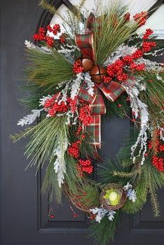 christmas wreaths, christma wreath, front door wreaths, door colors, front doors, door decor, winter wreath, oval wreath, christmas door