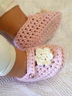 Easy Booties Crochet Pattern No.701 Emailed2U THREE Sizes ONE STRAND. $4.00, via Etsy.