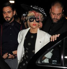 Lady Gagas fun and funky hat hairstyles!
