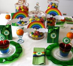 table settings, table decorations, rainbow theme, birthday parties, saint patricks day, st patricks day, table scapes, party tables, party fun