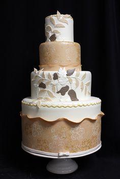 ❁❚❘❙  Gold sponge embroider wedding cake by Amanda Oakleaf