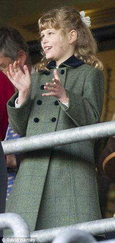 MYROYALS - HOLLYWOOD FASHİON: THE WESSEX FAMİLY AT ASCOT RACES-Lady Louise Windsor